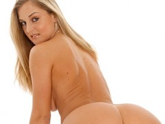 veey young naked girl